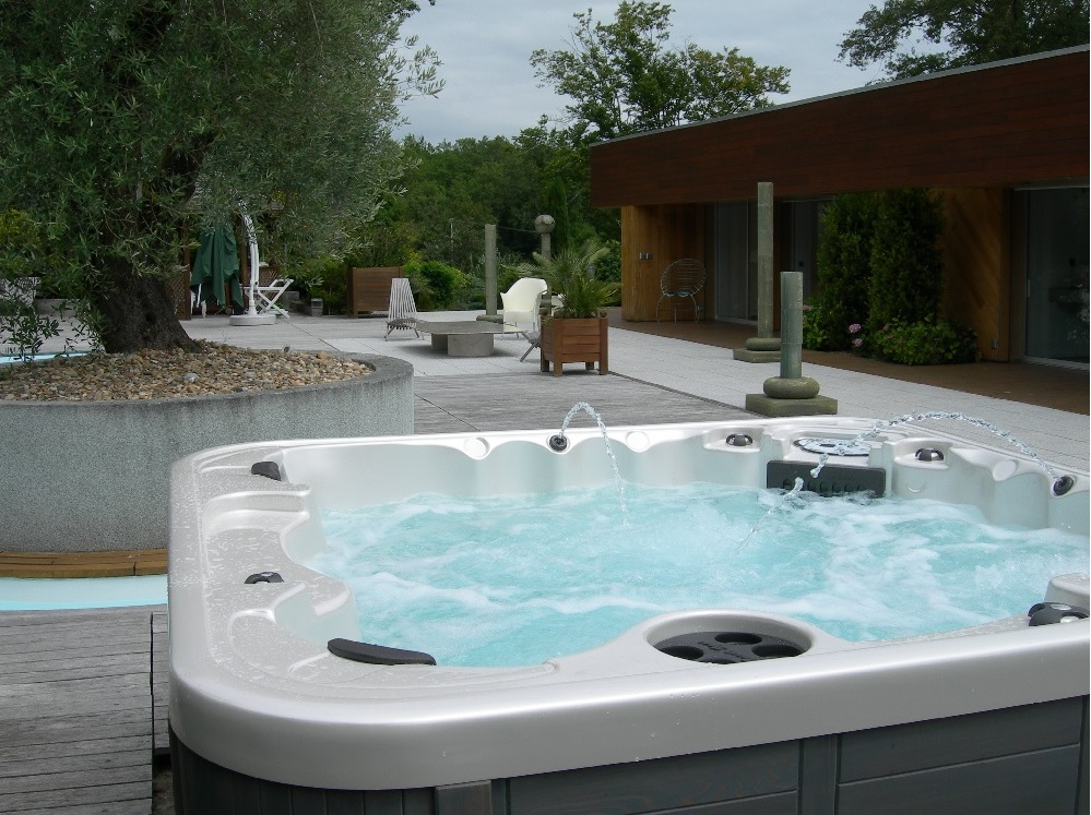Award Leisure Franchise | Hot Tub Franchise